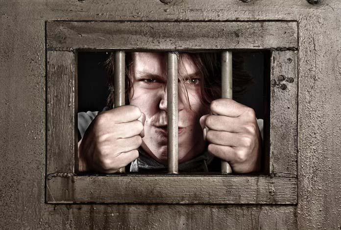 lockdown - заключение, человек в камере фото